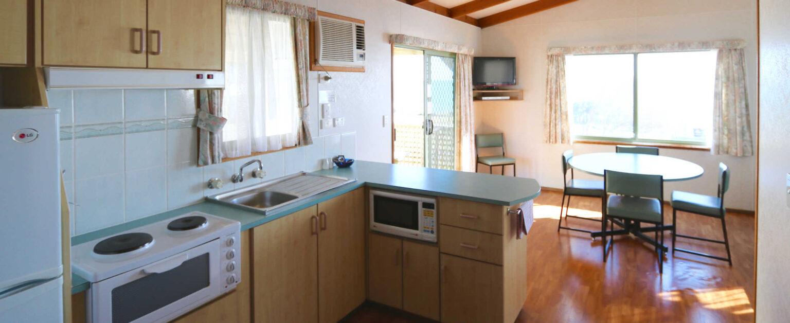 ocean-view-deluxe-cabin-interior-4